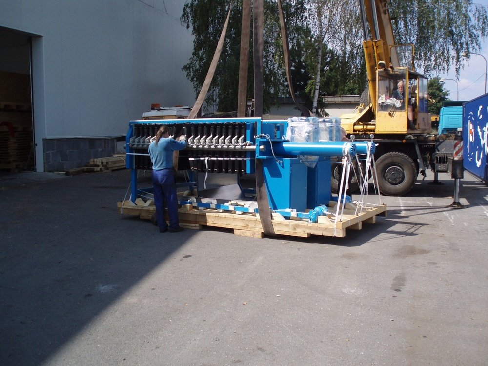 Equipment for dispatch overseas<br />